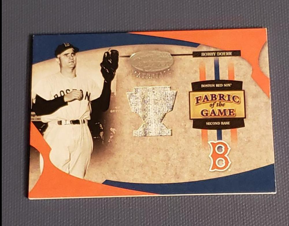 2005 Leaf Certified Materials Fabric of the Game Reward