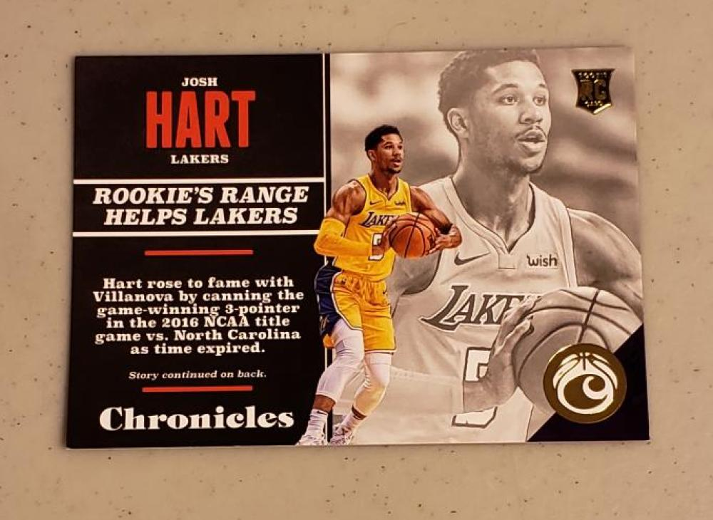 2017-18 Panini Chronicles Gold