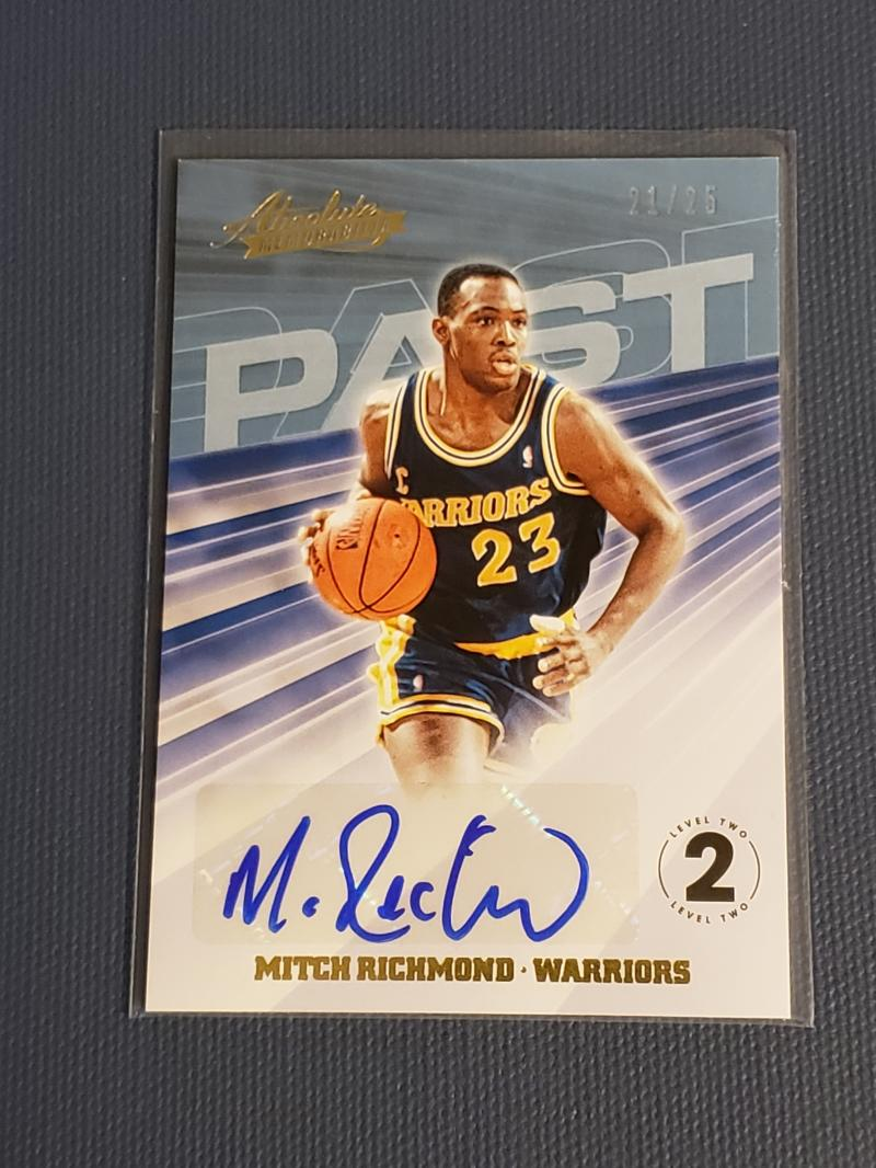 2018-19 Panini Absolute Past Autographs Level 2