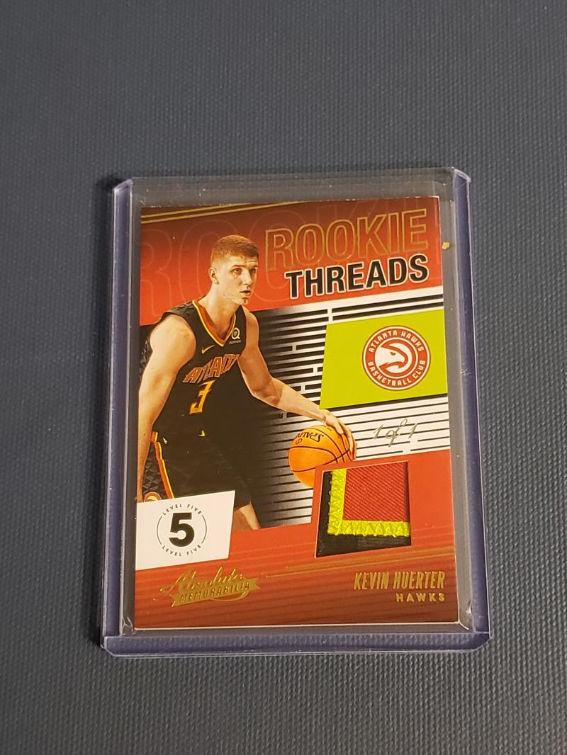 2018-19 Panini Absolute Rookie Threads Level 5