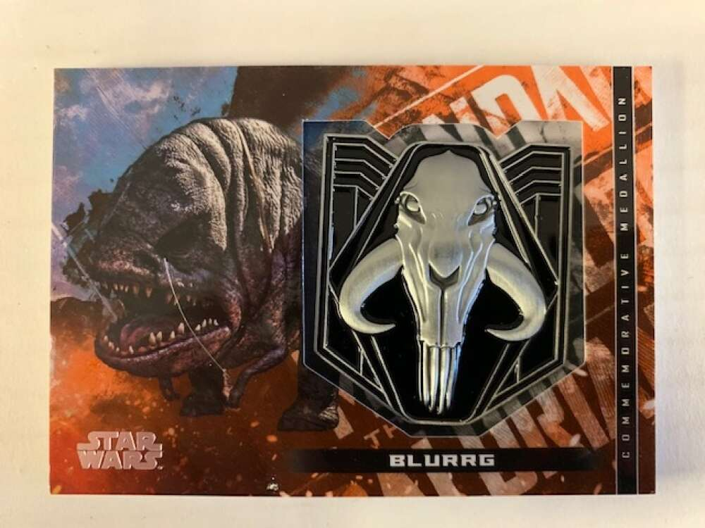 2020 Topps Star Wars The Mandalorian Season 1 Commemorative Medallion Relics